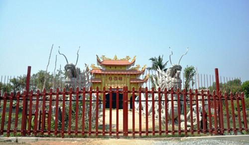 Nhà thờ tổ của Hoài Linh tiếp tục được thi công